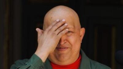 Un médico que cuidó al presidente venezolano, Hugo Chávez, dijo que al m...