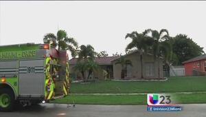 Rayo provoca incendio en casa de Miami