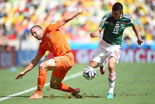 Oribe mantiene una ventaja sobre Vela en la selección nacional, p...