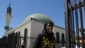 En Estados Unidos viven miles de musulmanes quienes oran en las mezquitas.