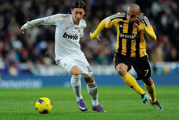Y el brasileño estuvo muy bien acompañado por el alemán Mesut Ozil.