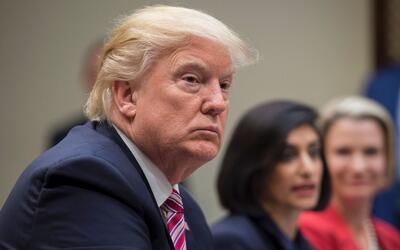 """Donald Trump durante una reunión titulada """"mujeres en el sis..."""