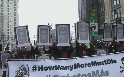 Trabajadores de la construcción exigen en las calles de Nueva York mayor...