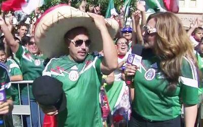 Lupillo Rivera celebró junto a todo Los Ángeles la victoria de México