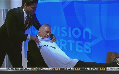 Hristo Stoitchkov no soporta la playera del Real Madrid ni en sueños