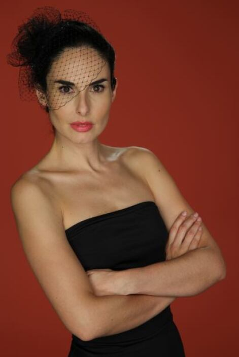 Pero aquí viene Ana Serradilla a decirle a Angelique, ¡quítate que ahí t...