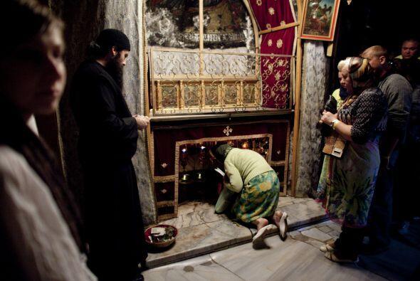 El lugar del nacimiento de Cristo recibe multitud de peregrinos y turist...