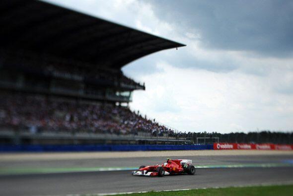 Desde que tomó la primera posición, Alonso aumentó...