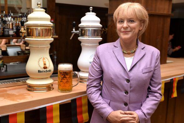 Aquí la de la mujer más poderosa del mundo, Angela Merkel.