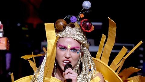 La cantante Miley Cyrus apoya las campañas de Planned Parenthood.