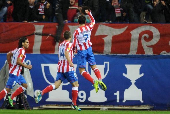El atacante Adrián se reencontró con el gol para abrir el marcador.