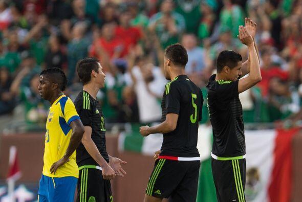 Te presentamos las mejores imágenes del duelo entre México y Ecuador cel...
