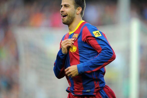 En la zaga aparece el español Gerard Piqué, del Barcelona.
