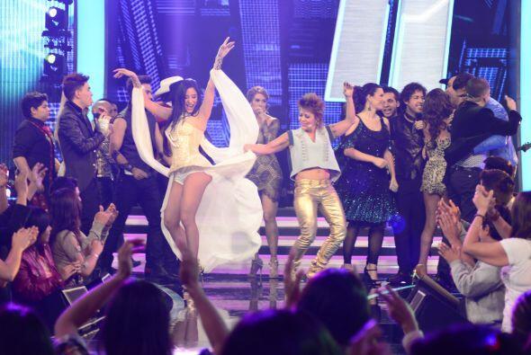 Como cada semana, todos los chicos y famosos se reunieron en el escenari...