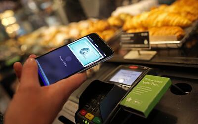 Tarjetas de crédito, fabricantes de smartphones y startups ya com...