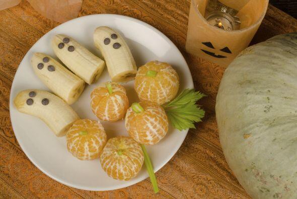 Fantasmas y calabazas… ¡con frutas! Esta idea es muy fácil...