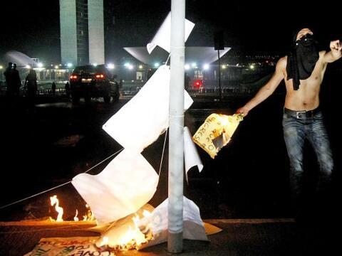 Las protestas que sacuden a Brasil desde el 10 de junio prosiguieron el...