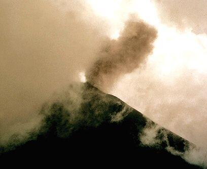 Manto negro. El jueves 27 de mayo el volcán Pacaya entró en erupción cub...