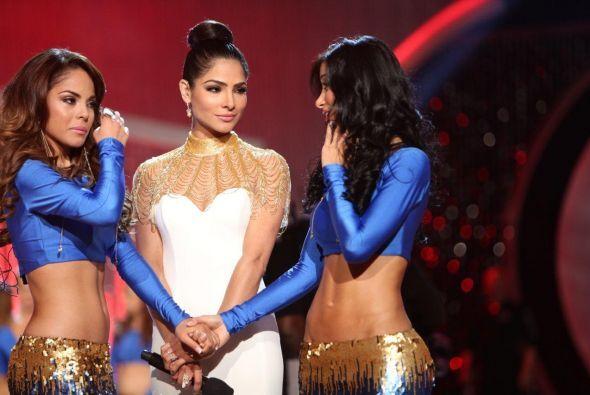 Alejandra trató de calmar un poco a las chicas y las consoló y les deseó...