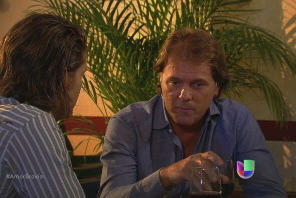 Mariano se siente triste porque Ana le ha vuelto a decir que le gustar&i...