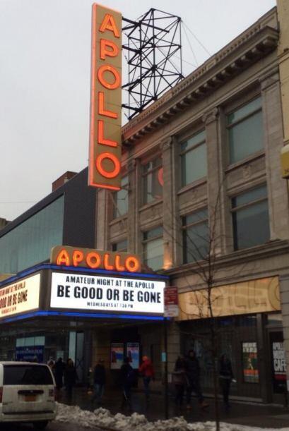 El conductor también pasó por el Teatro Apollo en Harlem.