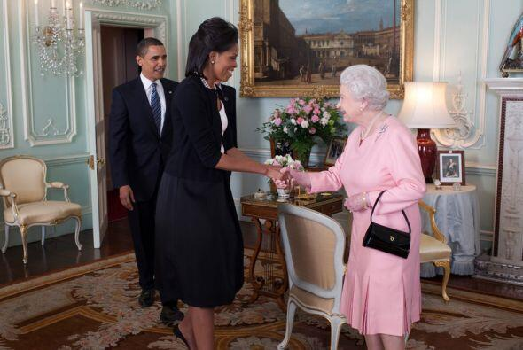 Su Majestad, la Reina Isabel II recibió a la pareja presidencial de EEUU...