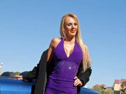 Maryluz ganó el título Miss Tanga 2010 recientemente y com...