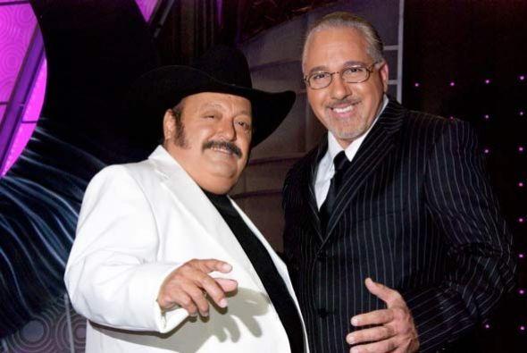 Simón y Paul son casi idénticos con Ramón Ayala y Emilio Estefan.