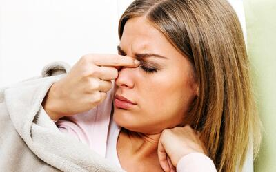 Cómo aliviar los síntomas de la sinusitis de manera casera