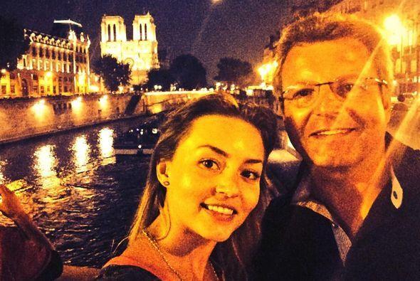 A Angelique se le vio recientemente disfrutando de París con su padre y...