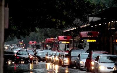 Debido a la lluvia intensa que se presentó en la Ciudad de México, se re...