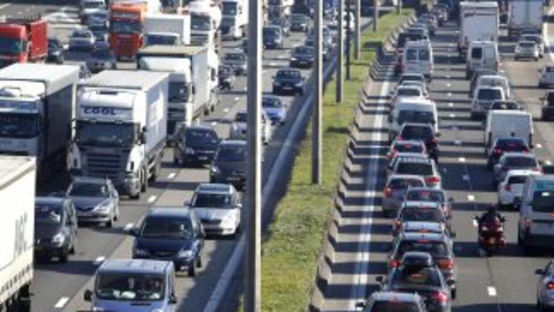 Actualmente hay sitios y aplicaciones que informan sobre el tráfico en t...