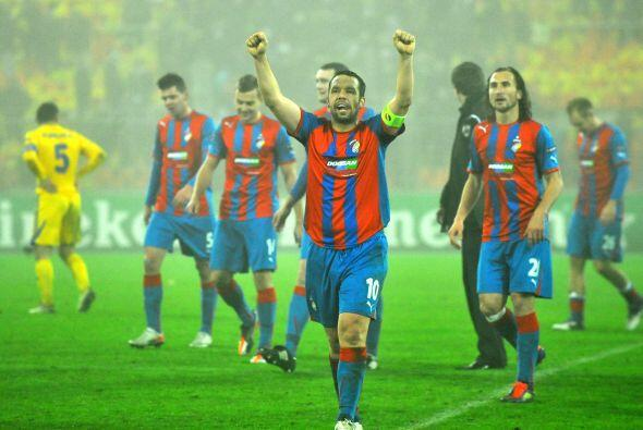De cualquier modo, el Viktoria celebró la victoria por 1-0, pues...