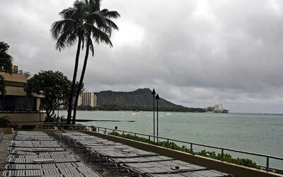 Alerta por dos huracanes que amenazan las costas de Hawaii