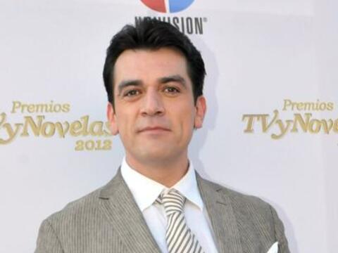 Jorge Salinas se unirá al club de los papitos de las novelas y lo...