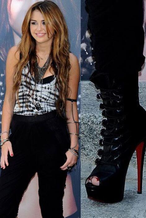 Cyrus llevó súper bien puestas sus 'bandage boots' para completar ese es...