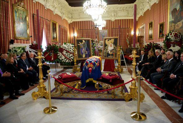 El Salón Colón fue dispuesto para velar los restos de Caye...