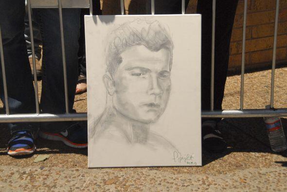 La figura de 'Canelo' se veía por todas partes, un aficionado dibujó a s...