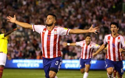 Bruno Valdez festeja su gol ante Ecuador en las eliminatorias mundialistas.