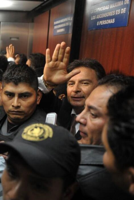 Después de escuchar la sentencia, el ex presidente dijo a los periodista...