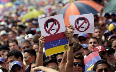 Opositores protestan en Caracas el 26 de octubre de 2016.