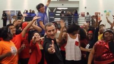 Uptown Funk High School Dance Party