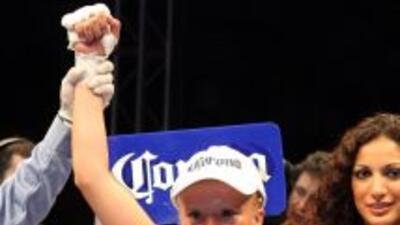 Irma Sácnhez derrotó en dos rounds a Fahpratan Looksaikongdin (Foto: HG...