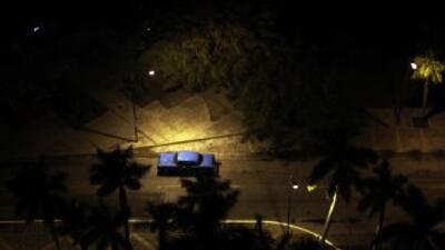 Un presunto ciudadano estadounidense murió al caer del piso 12 en un hot...