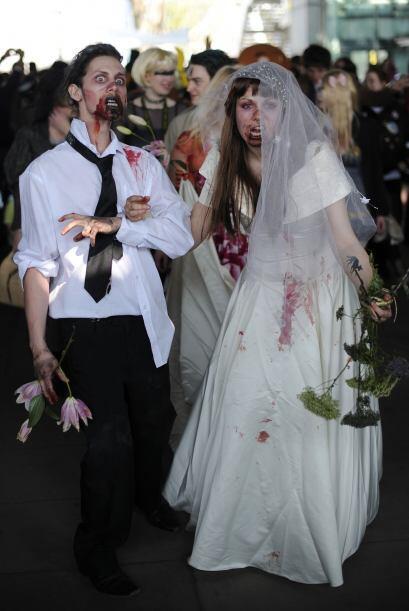 Probablemente así lucirán Angelina y Brad si su boda es de zombies, serí...