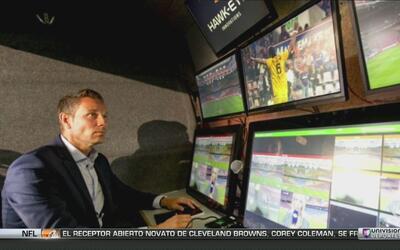 Holanda hizo historia en el fútbol: primera expulsión con asistencia de...