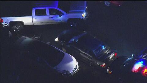 Policía captura a hombre que intentó escapar en su vehículo por las call...