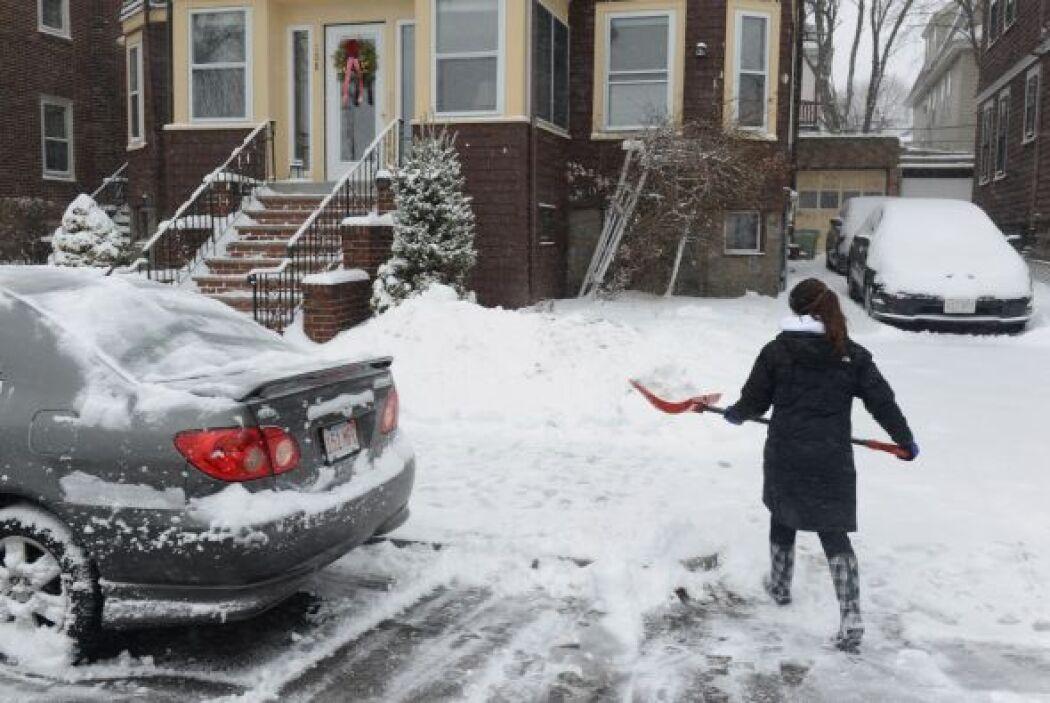 Se calcula que este viernes, Boston podría acumular hasta 14 pulgadas de...