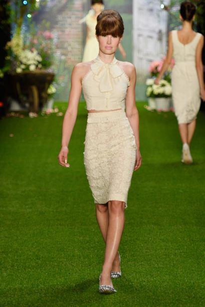 Las faldas estilo 'tubo' también alcanzan a entrar en esta tendencia gra...