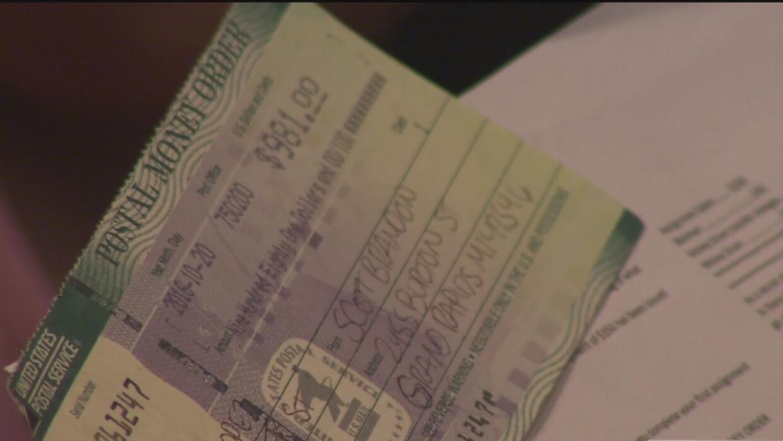 No sea un comprador fantasma: dude cuando le envíen un cheque con la pro...